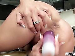 Frisky czech chick gapes her wet quim to the limit