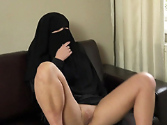LARGE Intimation SISTERS NIQAB GIR