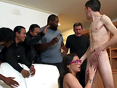 Teen Gia Paige takes a facial and receives caught by her dad