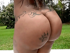 Diamond Monroe akin to off her 46 inch ass outdoor
