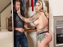 Busty Mommy Ryan Conner and Xander Corvus – Brazzers – Sneaky Mom 3