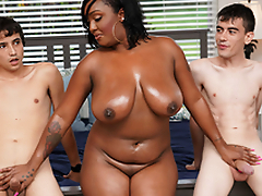 Ebony Nourisher Having Fun Less Stepson and His Side
