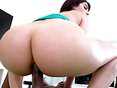 Round ass Italian Valentina Nappi bounces to Pressure's big black cock