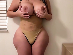 Getting seduced apart from my girlfriend's slutty thick MILF XXX mom