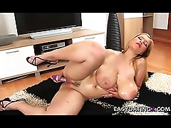 Huge tits bbw teasing pussy and boobs - easydatingx.com
